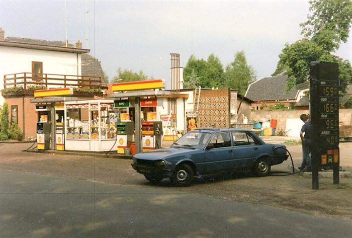 Tankstation Maas Hop aan de Zeeweg in Ermelo