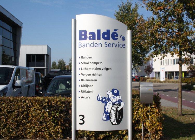 Balde's_Banden_bord.JPG