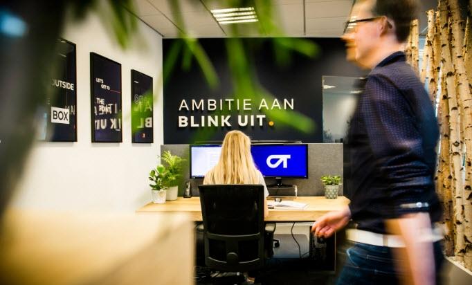 Zet je digitale AMBITIE AAN. En BLINK UIT. Met OrangeTalent, full-service digitaal bureau