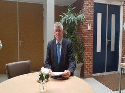 Ermelose burgemeester André Baars: 'Er vallen door coronacrisis geen mensen tussen wal en schip'