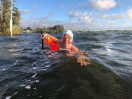KNZB trainer Iris van Aurich geeft borstcrawlcursus bij Zwembad Calluna in Ermelo