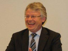 Commissaris van de Koning John Berends verwacht 'constructieve houding' van partijen in Ermelose bestuurscrisis