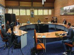 Live uitzending pittig raadsdebat over Ermelose bestuurscrisis in theaterzaal uitgesteld