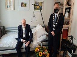 Feest voor 100-jarige meneer Kraak uit Ermelo