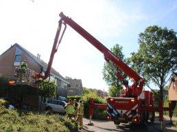 Oudere man valt van ladder in Ermelo