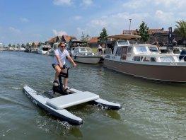 Waterbike Harderwyck 'sportief, snel en vooral gemakkelijk' Eyecatcher in het havengebied